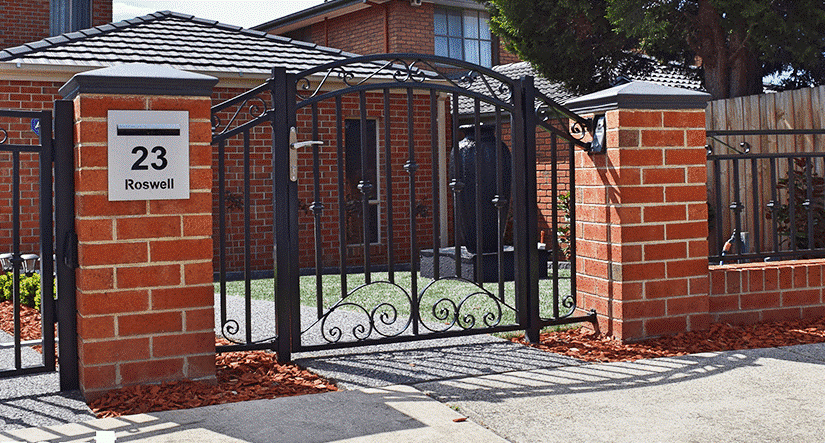 Steel Fencing that hits the mark